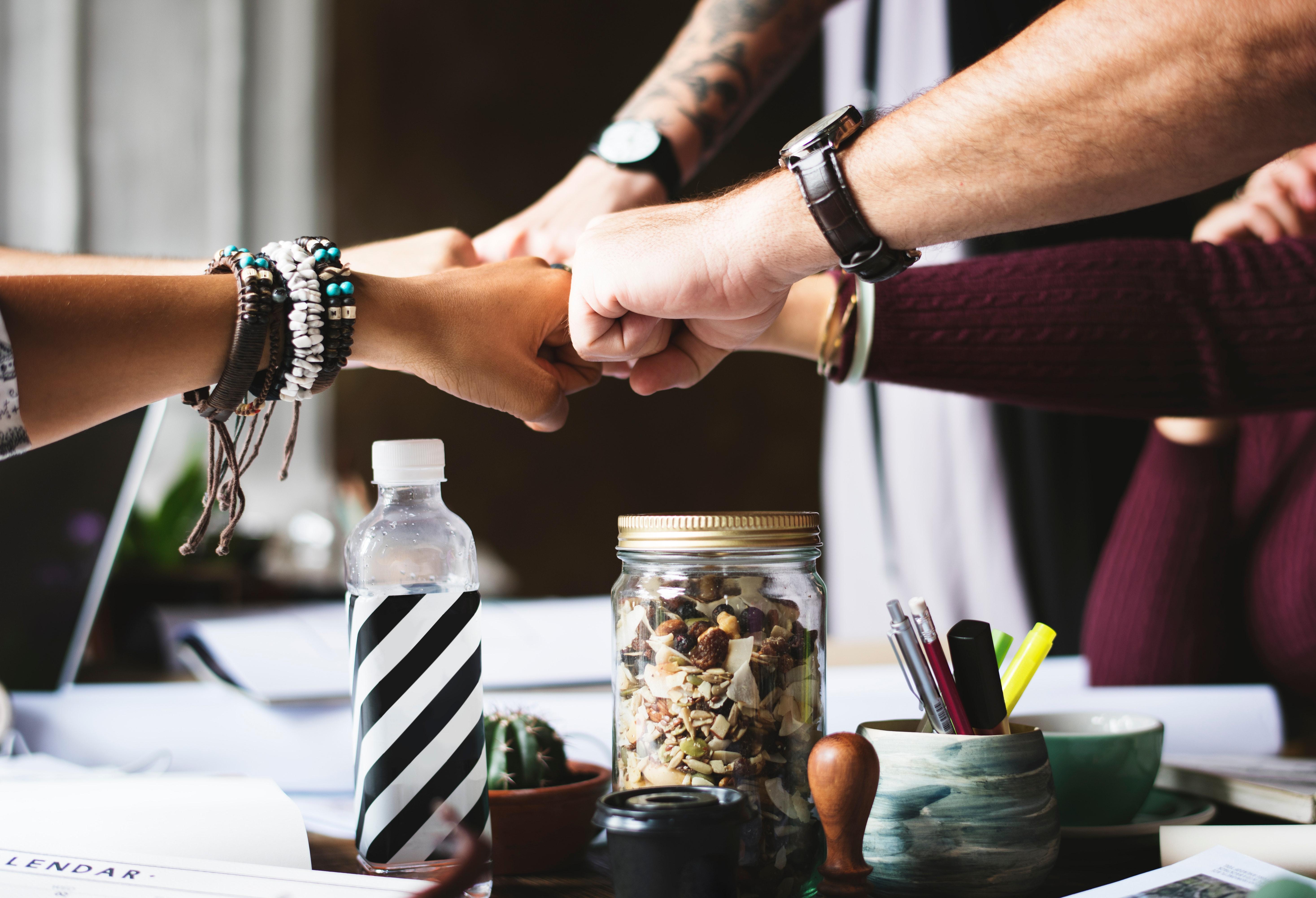 bracelets-collaboration-colleagues-398532